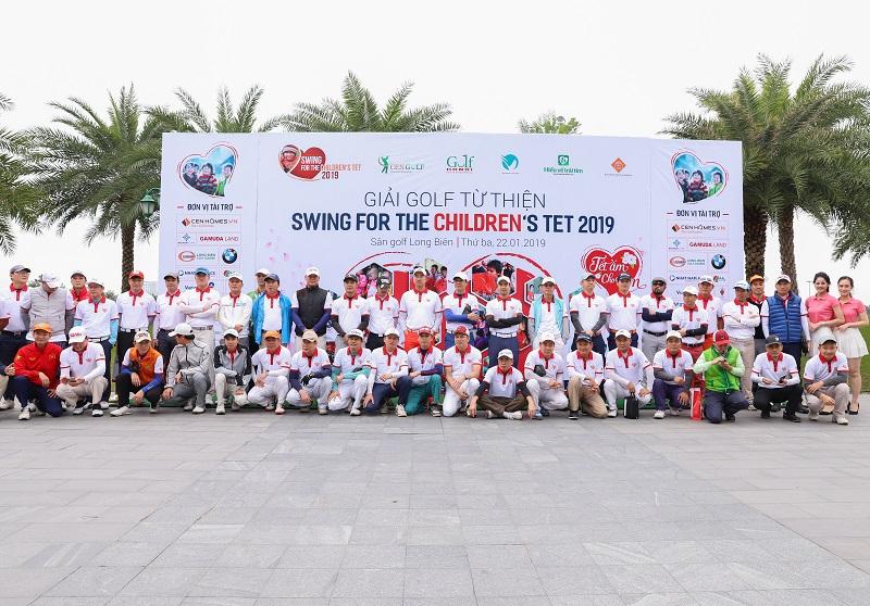 Nhiều cảm xúc tại Gala trao giải Swing for the children's Tet 2019