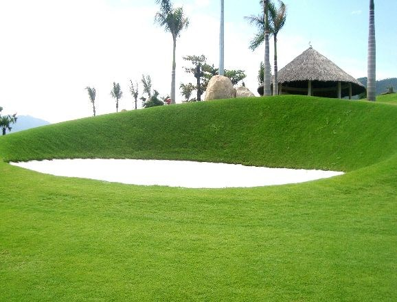 DIAMOND BAY GOLF RESORT